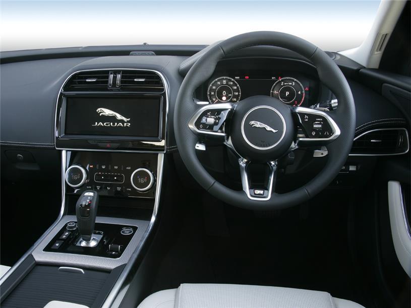 Jaguar Xe Saloon 2.0 P250 R-Dynamic SE 4dr Auto